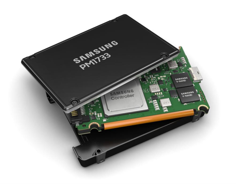 SSD و مزایا و معایب آن نسبت به هارد دیسک